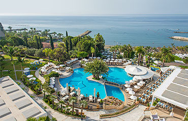 Mediterranean Beach Hôtel 4*