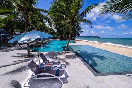 Hôtel khaolak emerald beach resort et spa 4*