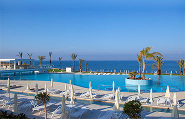 King Evelthon Beach Hôtel et Resort 5*
