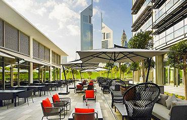 Hôtel Ibis One Central 3*