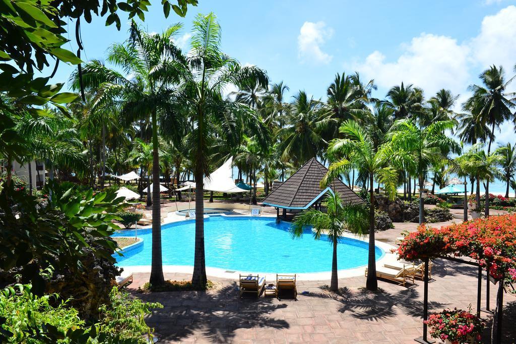 Hôtel Diani Reef Beach Resort et Spa 5* et Safari 1 nuit