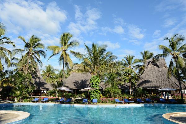 Hôtel Breezes Beach Club et Spa 5*